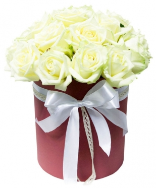 25 White Roses at the Hat Box
