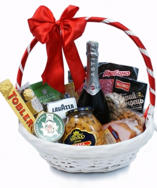 Family Delicious Basket