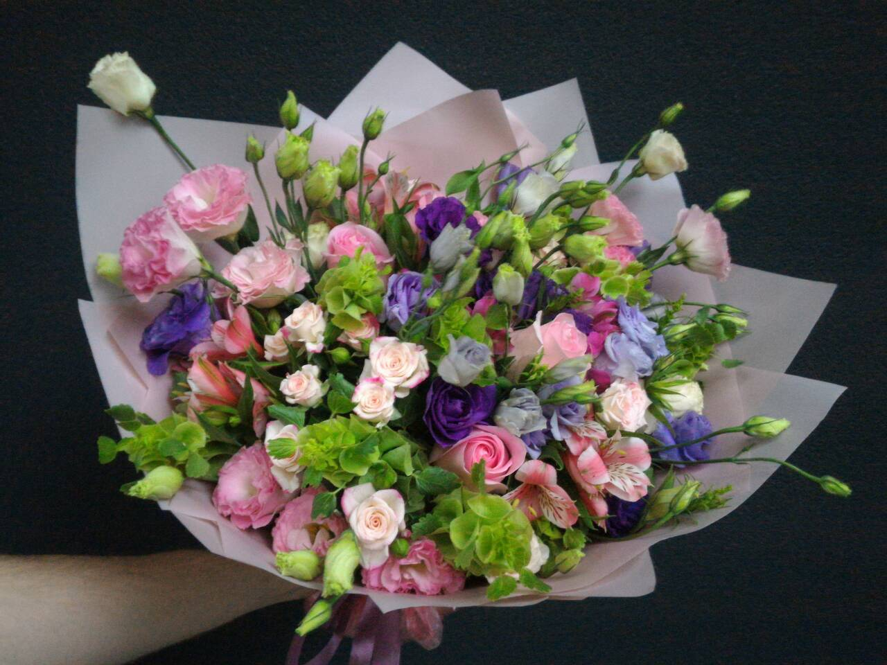 Mixed pink bouquet image 1